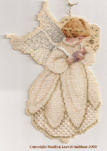 20 angels (suitable for plastic canvas) - click each pattern to go to pdf