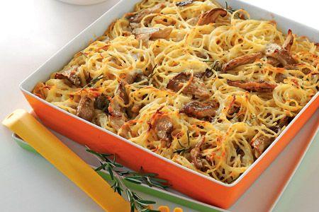 Σπαγκέτι φούρνου με πλευρώτους και γραβιέρα -