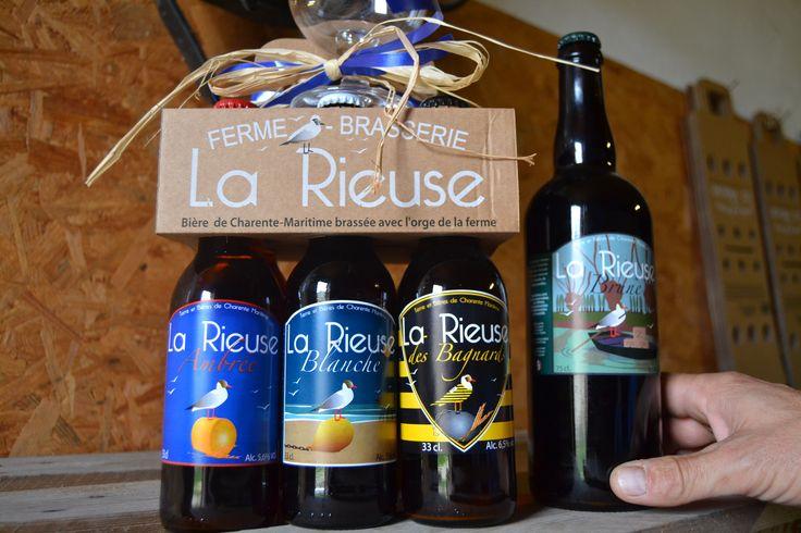 La Brasserie La Rieuse vous propose de découvrir, en plus de son coffret cadeaux Noël, la nouvelle bière Brune! Ses saveurs gourmandes sont parfaites pour les fêtes.