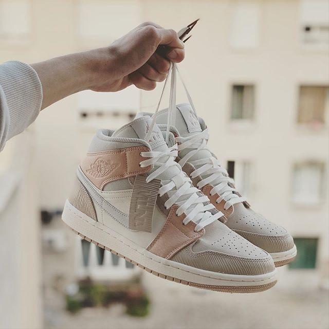 Ascensor Retirado Mujer hermosa  Nike Air Jordan 1 Mid 'Milan' CV3044 100 | Nike shoes women, Sneakers  fashion, Nike fashion shoes