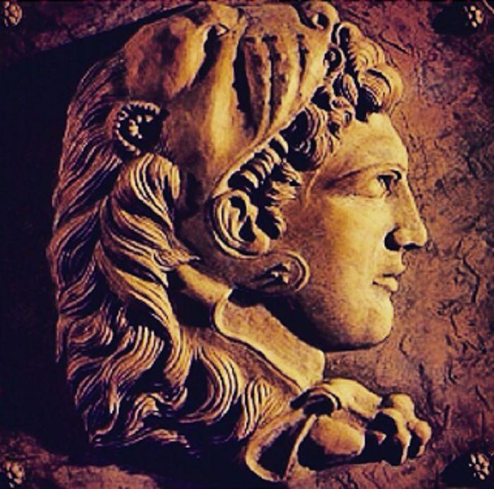 Mikä on Aleksanteri Suuren merkitys jälkipolville? Kiitos sinulle Mika osoittamastasi mielenkiinnosta Aleksanteri Suurta kohtaan. Kysymys ansaitsisi pidemmän vastauksen, mutta palaan tähän aiheesee...