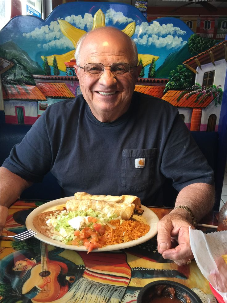 Excellent Mexican Food in May, 2017. I just wish I could remember the name of it. It's on the Pigeon Forge Parkway around light 10. The front of the restaurant is all red. This place is a must.    Call Pat Kirchhoefer, owner of cabins at 618-559-3915   #vacay #vacation #mountains #greatsmokymountains #tennessee #GSMNP #travel #nature #hiking #wildlife #scenery #family #views #familytime #getaway #forest #trees #smokymountains #cabin…