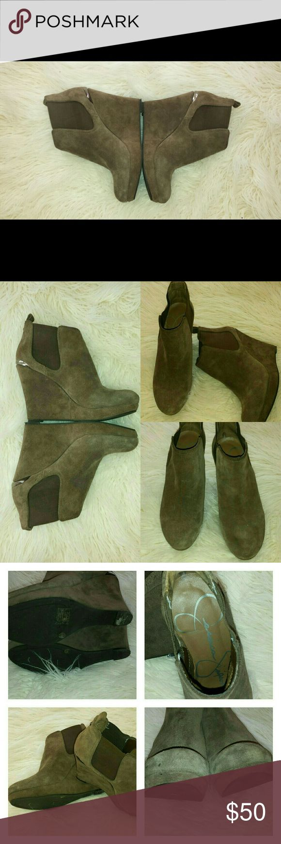 Jessica Simpson's booties Jessica Simpson's booties in suede. In good condition .   4 inch heel. Jessica Simpson Shoes Ankle Boots & Booties