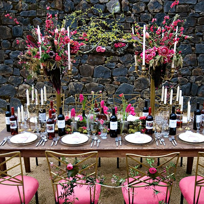 Qu'est ce que serait un mariage sans son magistral repas de fête? Et qui dit repas de fête dit superbe décoration ! Onze tables de mariages géniales et très classes. DECO MONOCHROME LA SUSPENSION BOUQUET DE MILIEU DE TABLE Alors, …