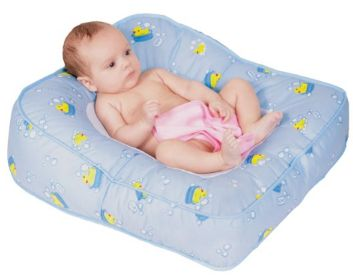 7: Leachco Flipper 2- way Baby Bather