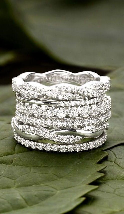 Timeless Stacking Wedding Rings For Your Eternal Love ❤︎