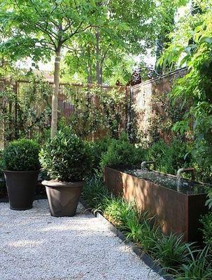 atmospheric corner in the garden   adamchristopherdesign.co.uk