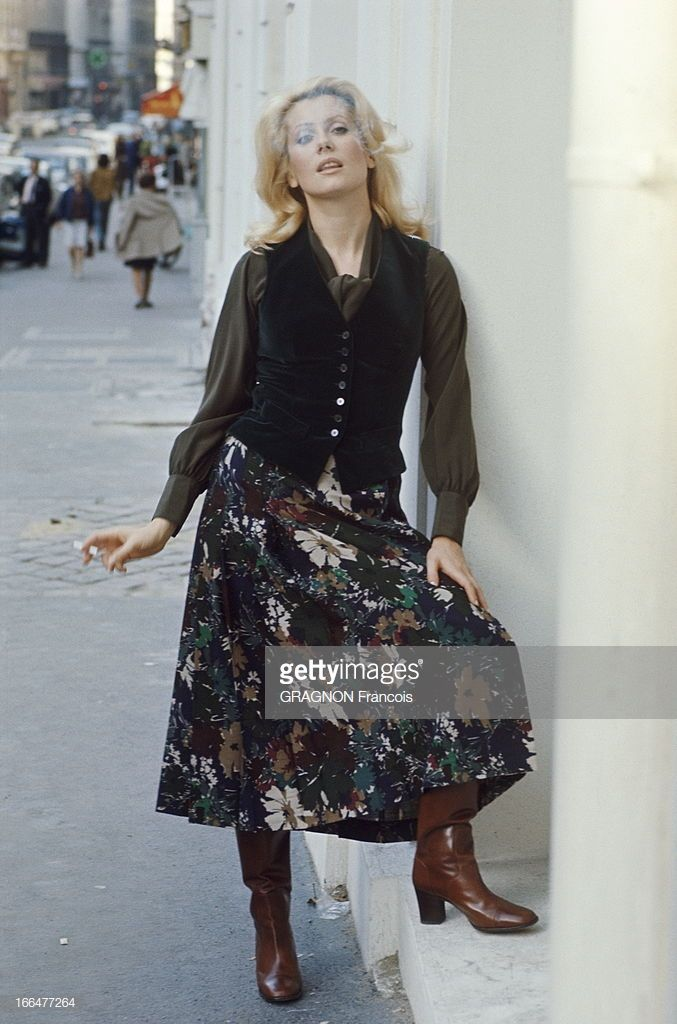 Catherine Deneuve Model For Yves Saint Laurent Catherine Deneuve Catherine Deneuve Fashion Yves Saint Laurent