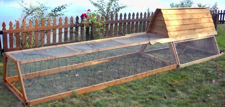 Design for a small portable chicken coop or chicken for Small portable chicken coop
