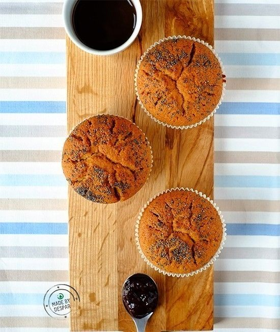 Muffin+integrali+ripieni+di+composta+di+frutti+di+bosco+|+casadivita.despar.it