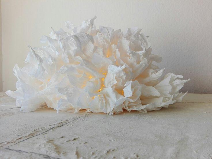 Handmade paper lamp, table lamp , Green Design Roma. Lampada di carta da tavolo di Alessandra Fabre Repetto Roma