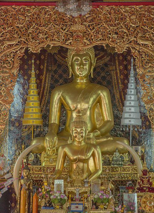 2013 Photograph, Wat Chai Monkol Phra Ubosot Buddha Images, Tambon Chang Khlan, Mueang Chiang Mai District, Chiang Mai Province, Thailand, © 2014.  ภาพถ่าย ๒๕๕๖ วัดชัยมงคล พระพุทธรูป พระอุโบสถ ตำบลช้างคลาน เมืองเชียงใหม่ จังหวัดสารภี ประเทศไทย
