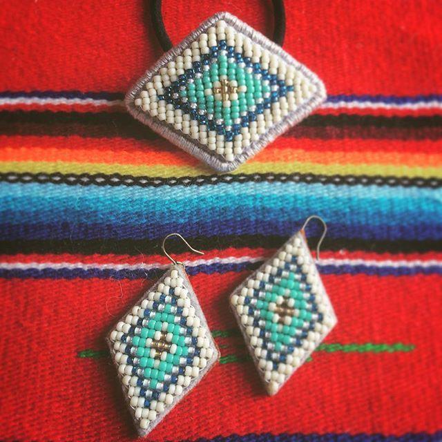 ピアス #刺繍 #beads #オルテガ #ビーズ刺繍 #handmadeaccessories #handmade #ビーズ #ネイティブ #beadswork #ヘアゴム #エスニック