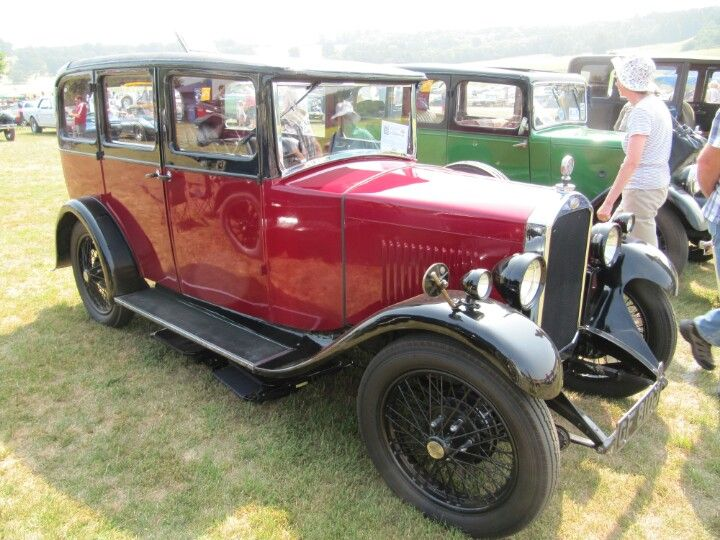 Humber 9/28 Saloon 1930 at Sherborne Castle classic car show
