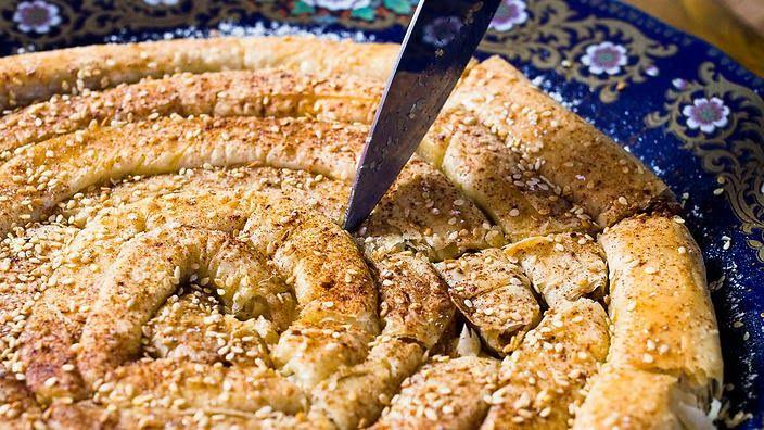 Moroccan almond pastry (mhancha) recipe