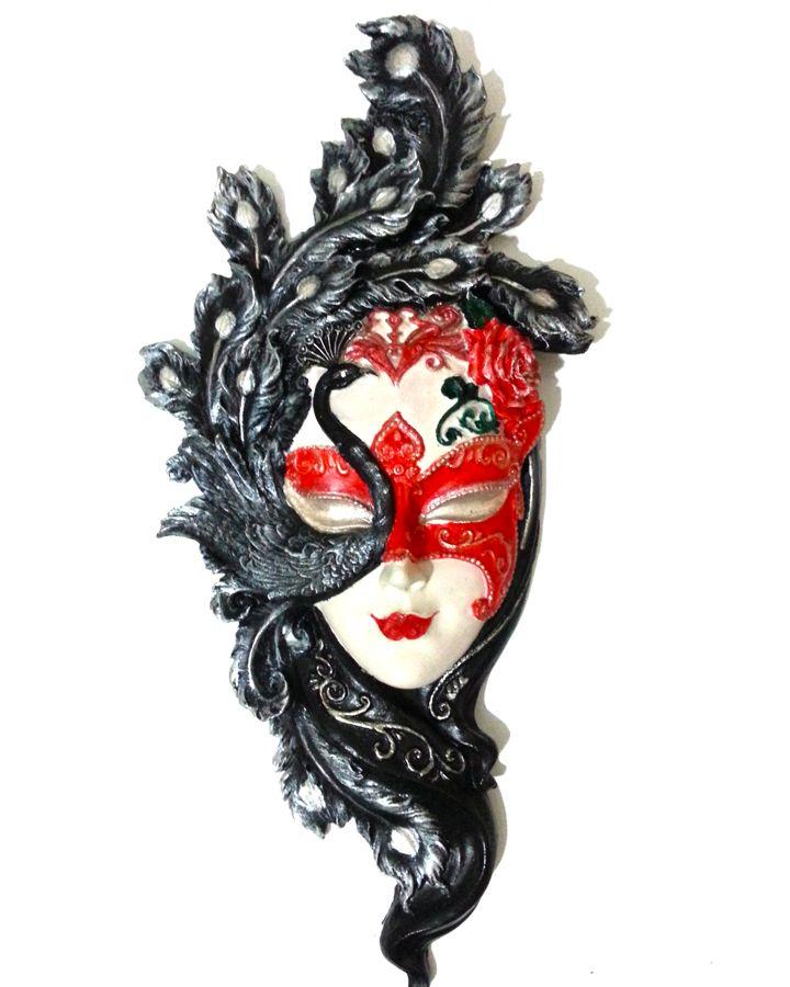Polyester maske, Polyester mask uygulaması. Ev dekorasyon aksesuarı olarak kullanılabilir ayrıca ev hediyesi olarak gönderebilirsiniz. Sipariş için tıklayın  http://mucizeevi.com/urun/tavus-kusu-maske-duvar-dekorasyon-objesi/