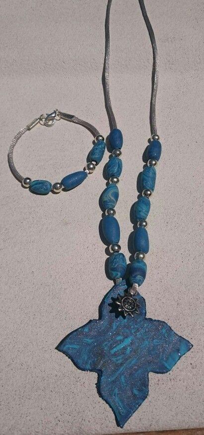 Conjunto de collar y pulsera veraniego hecho de fimo