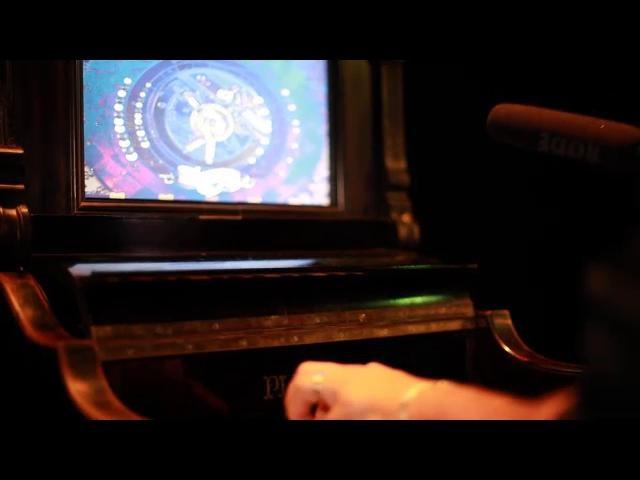 """LES MECANIQUES POETIQUES D'EZEKIEL by inskt. L'exposition """"Les mécaniques poétiques d'EZ3kiel"""" c'est déroulée du 28 Septembre au 7 Novembre 2010. Elle présente dix installations numériques interactives sonores et visuelles conçues à partir d'objets détournés et inspirées du DVDROM Naphtaline. Ces créations offrent un contraste surprenant entre une technologie innovante et un habillage suranné. Elles font appel à l'imaginaire de chacun pour pénétrer le vocabulaire singulier du groupe EZ3kiel."""