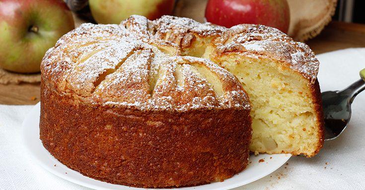 La torta mele e ricotta soffice, facilissima da preparare, senza dover montare nulla, senza burro, morbida e umida all'interno.