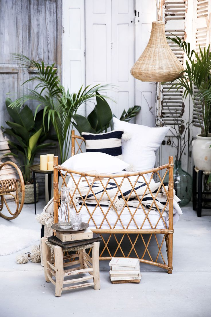 Beds on pinterest gardens floating bed and wicker patio furniture - Sweet Rattan Dreams Honestly Wtf