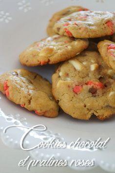Avant je ne savais pas faire les cookies... je les faisais tout plats tout moches ou trop durs mais ça c'était avant! de rencontrer Yasmine Docteur es Super cookies ! Pour environ 20 cookies : - 100g de beurre mou - 150g de sucre vergeoise brune - 1 oeuf...