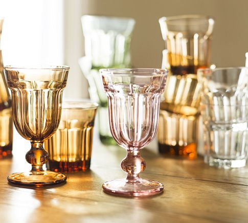 Spring Easter Decor Ideas with Luxurious Utensils: Glassware In Warm Tones 600x540