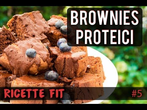 BROWNIES PROTEICI CHOCO-MIRTILLI | RICETTE FIT #8 - YouTube