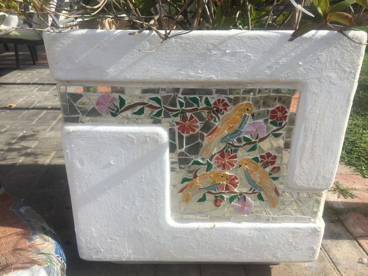 another mosaic on the same planter