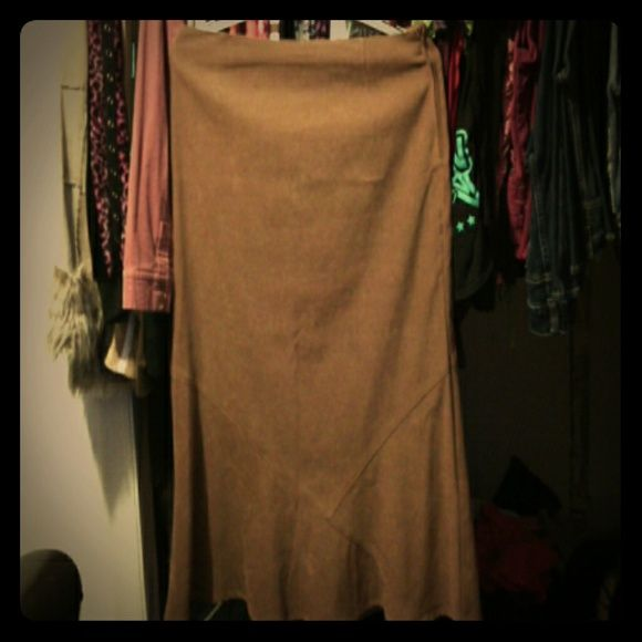 White Stag Brown Maxi Skirt Lovely, gently used, brown maxi skirt. Size 14. White Stag Skirts Maxi