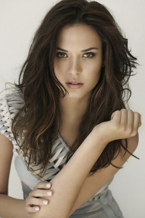 Odette Annable (b.1985)... Columbian born actress.  Starred in the science fiction move, Cloverfield.