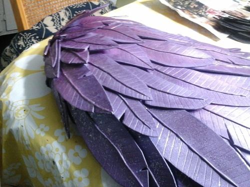 How to make feathers with craft foam.