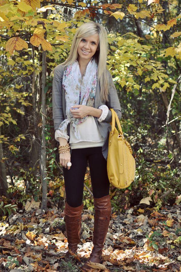 Black leggings, brown boots, yes! Love