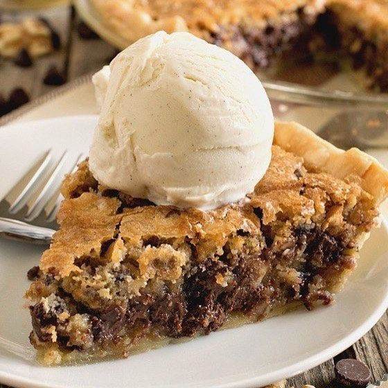 How could I forget National Pie Day? I've never had this, but it sure looks good to me😍#nationalpieday #chocolatechippie #chocolatechip #alamode #sweets #yummy #desserts #chocolate #icecream