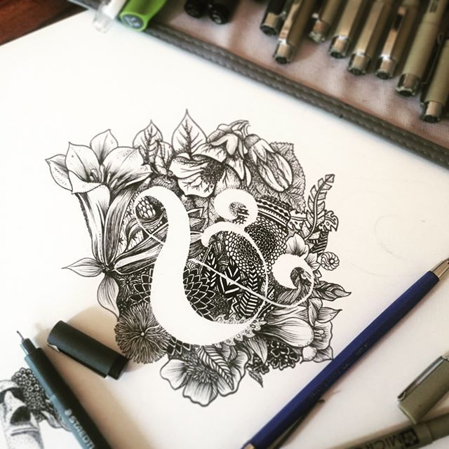 A closeup on the detail of my ampersand drawing. This botanical one has some chilean 🇨🇱🇨🇱 flowers 🌷🌺, I find them super stylish, full of movement and delicateness: • #copihue national and beautiful Chilean bell flower • #abutilon • #canelo  @diaz_alex
