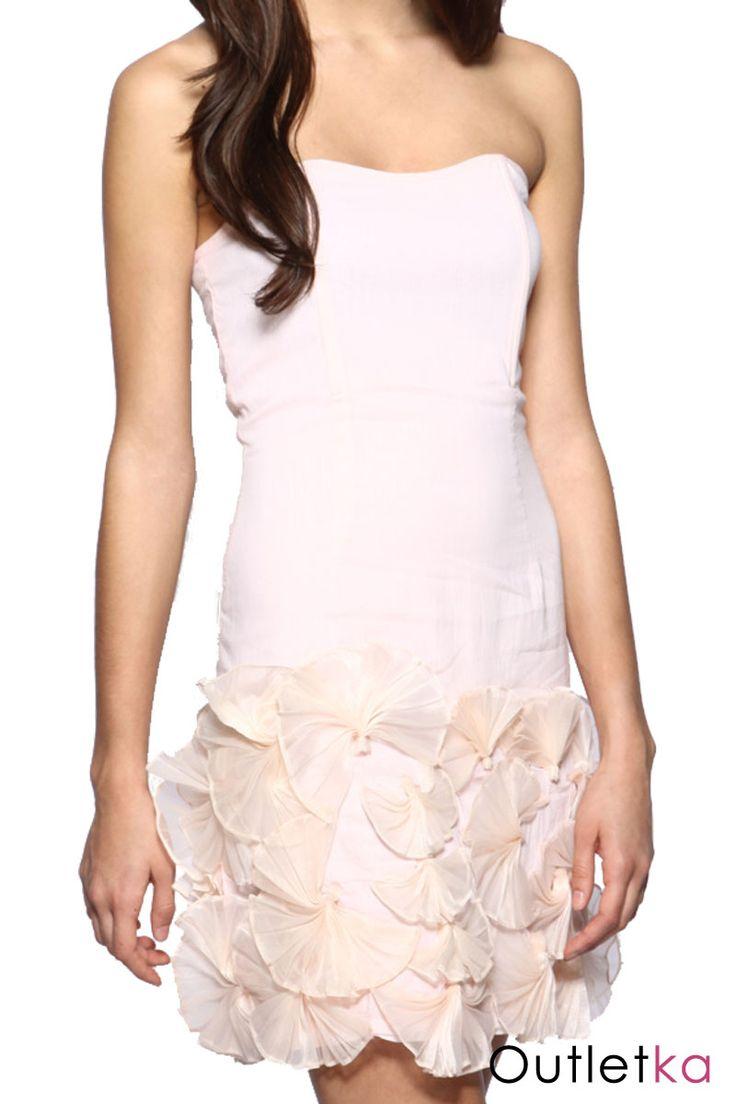 Nowa sukienka firmy Asos w kolrze pudrowego różu. Góra gorsetowa na fiszbinach, dzięki czemu idealnie dopasowuje się do ciała. Fason sukienki ołówkowy. Sukienka na podszewce. Z boku zapinana na kryty zamek. Dół sukienki zdobiony wzorami a'la kwiaty.