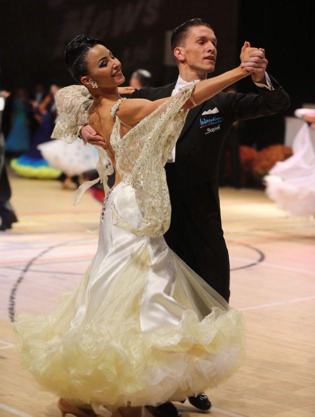 Mariya Sukach & Yuriy Prokhorenko #sapiel #sapielfuturedesign #mode #madeinitaly #milionidipassioni #fashionweek #fids #italy #dress #dancing #danzasportiva #roma #swarovski #abiti #world #sfilate #strass #style