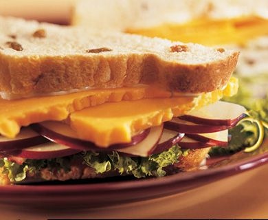 Apple 'n' Cheddar Sandwiches with Tre Stelle® Marble cheese #recipe #sandwich
