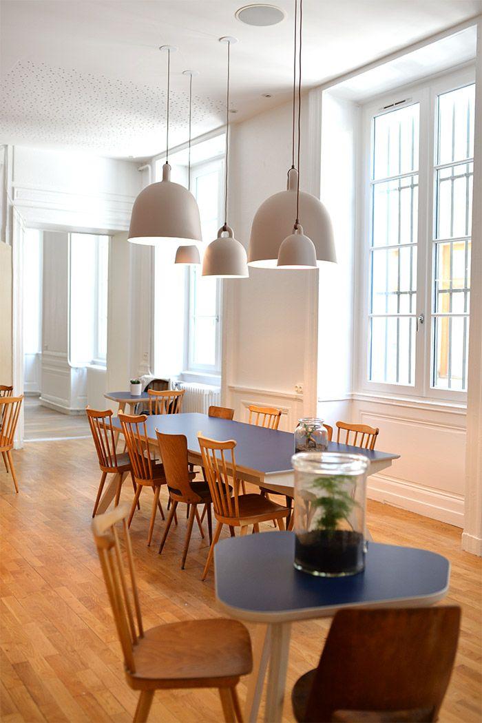 away hostel coffee shop auberge de jeunesse auberge. Black Bedroom Furniture Sets. Home Design Ideas