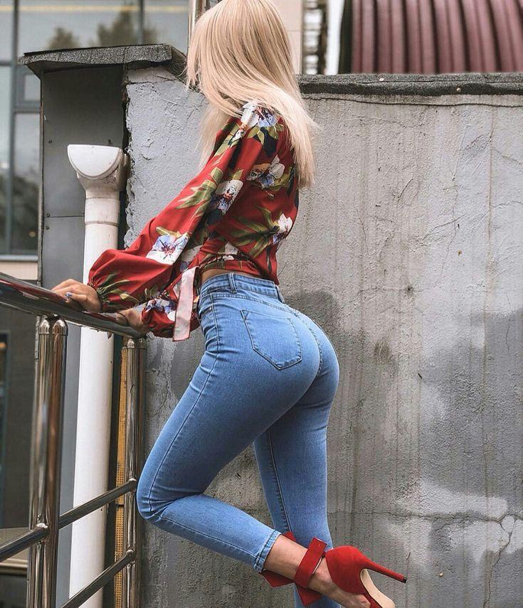 Фото красивых попок в обтягивающих джинсах