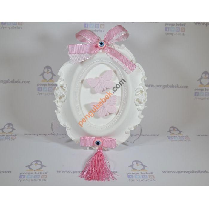 Pembe Kelebek Mini Tablo, bebeğinizin gelişi anısına ziyaretçilerinize verebileceğiniz çok sevimli bir hatıra. Pengu Bebek