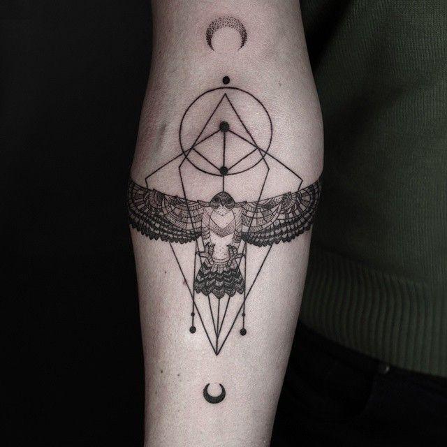 line-dot-black-white-animal-geometric-tattoos-okan-uckun-turkey-15.jpg (640×640)