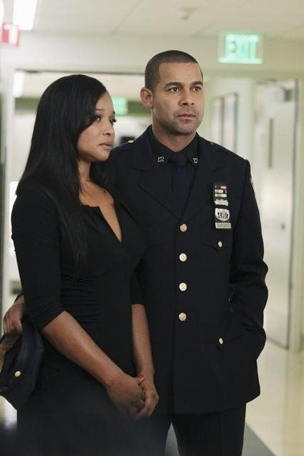 Jon Huertas and Tamala Jones in Castle - Rise
