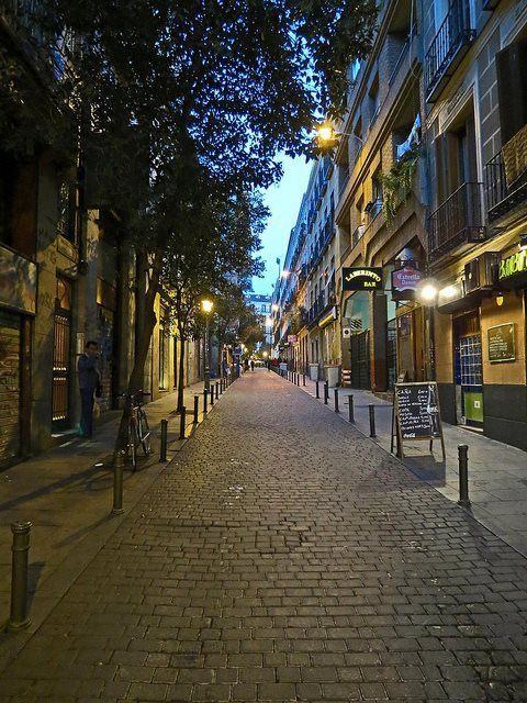 This is what I remember about Spain: beautiful narrow cobblestone streets one could get lost in. Someday, I'll walk these again.