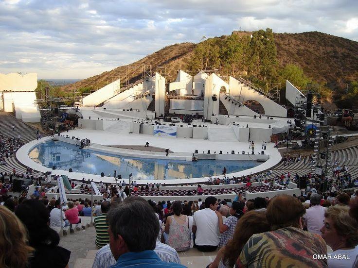 """Anfiteatro""""""""Frank Romero Day"""""""" en la base del Cerro de La Gloria. Alli se lleva a cabo la festividad mas importante de Mendoza, """"""""La Fiesta de La Vendimia"""""""" Ciudad de Mendoza, Argentina"""