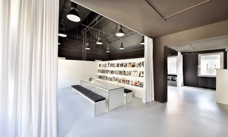 Ausgestattete Büroplätze in Kreativbüro im Süden Stuttgarts #Büro, #Bürogemeinschaft, #Office, #Coworking, #Stuttgart