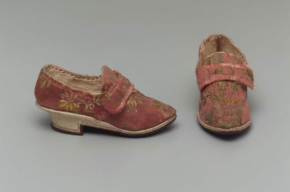 Pair of children's shoes, French, 18th century, Silk brocade with leather heel, sole and inner lining        France