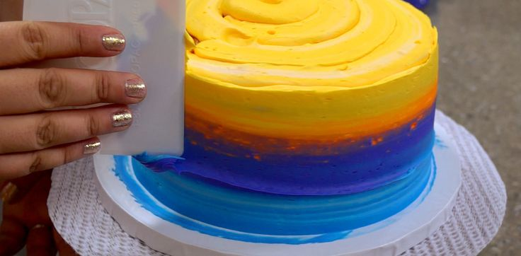 Airbrush Cake Decorating Tips : How-To Create an Airbrush Effect with Icing Alone Cakes ...