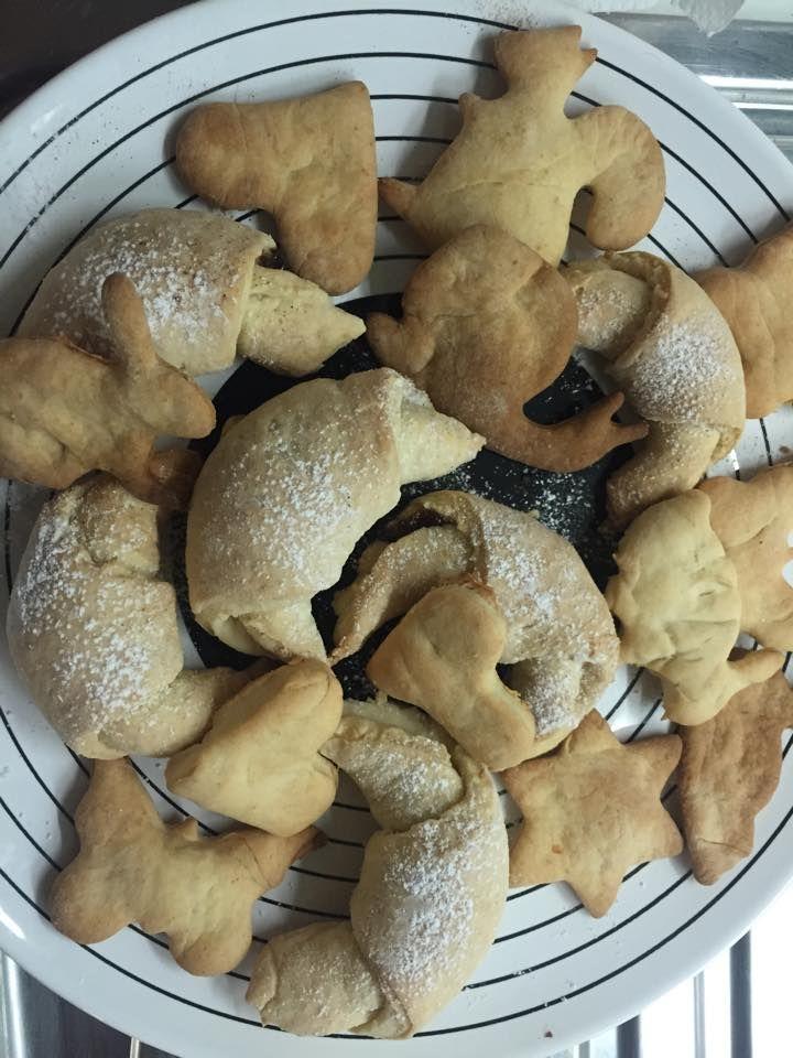 Cornulete si biscuiti - Katja