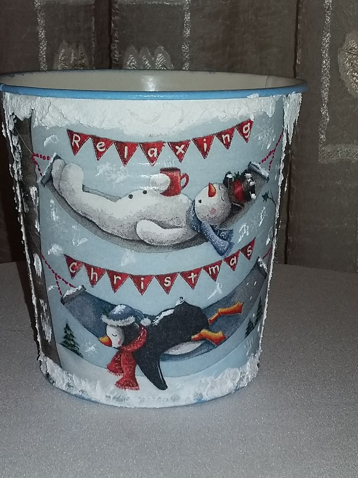 SMALL CHRISTMAS METALLIC BUCKET