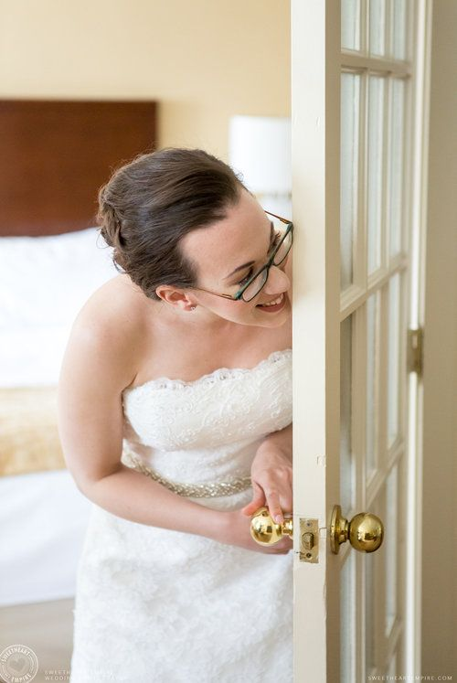 Bride's first look with her dad - Toronto Reference Library Wedding #sweetheartempirephotography